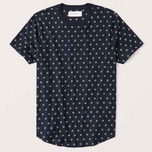 Abercrombie Men's Curved Hem Patterned T-Shirt M